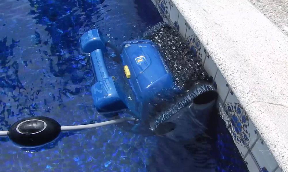 робот для бассейна